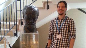 El Dr. Paseiro tras la presentación del proyecto de la AEV en la VSN